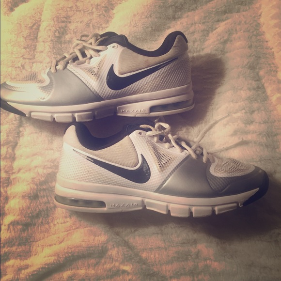 Usedmens Tennis Shoes Size